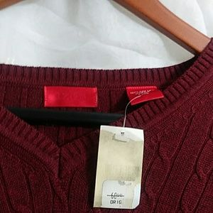 Izod Sweaters - New IZOD Cable Knit V-Neck Sweater